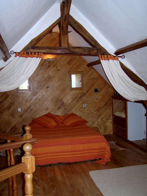 Pré Le Terme, la chambre avec lit double, au Buisson de Cadouin