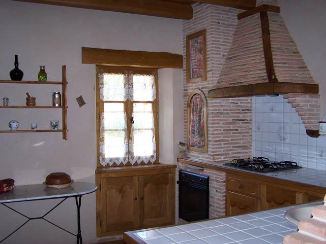 Pré Le Terme, la cuisine, au Buisson de Cadouin