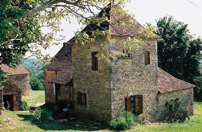 Pré Le Terme, l'extérieur de la maison à l'arrière, au Buisson de Cadouin