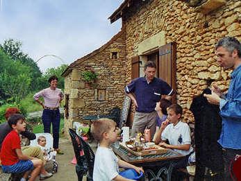 Pré Le Terme, déjeuner au jardin, au Buisson de Cadouin