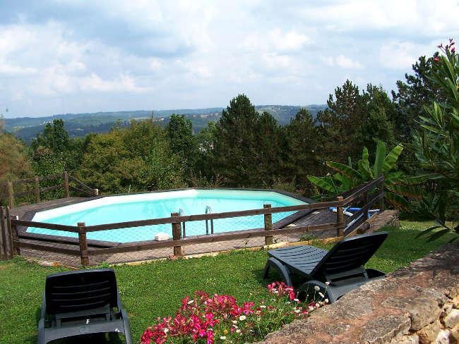Pré Le Terme, la vue depuis la piscine, au Buisson de Cadouin
