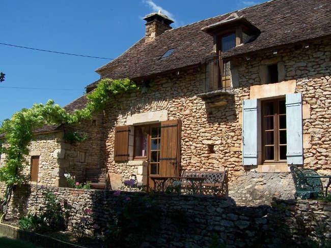 Pré Le Terme, façade du gïte, au Buisson de Cadouin